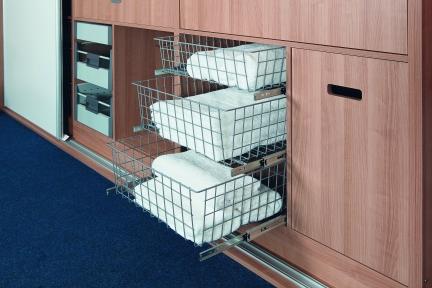 Wireli Висувна корзина для одягу
